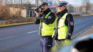 Policjanci z Elbląga zatrzymali kobietę, która jechała z prędkością 117 km/h w terenie zabudowanym