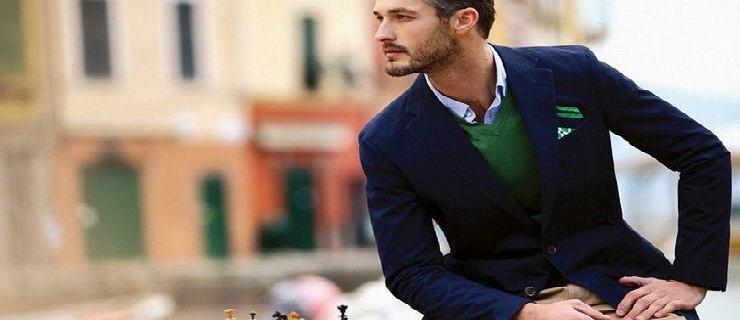 Atrybuty modnego mężczyzny, czyli must-have w szafie: marynarka, sweter, chinosy