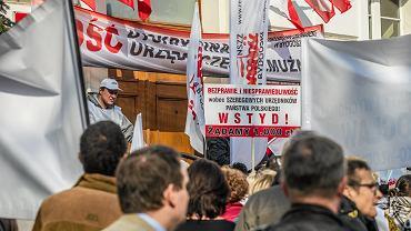 Protest Solidarności pracowników budżetówki w Bydgoszczy w 2019 roku