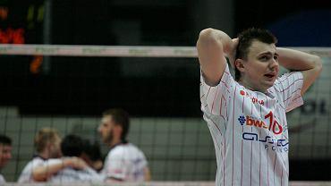 Sezon 2007/2008. Pierwszy w barwach Asseco Resovii dla Krzysztofa Ignaczaka. Rzeszowianie przegrywają w Olsztynie walkę o czwórkę