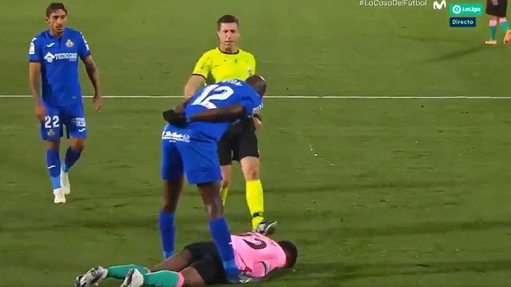 """Wściekły piłkarz Getafe zadziwiony zachowaniem Ansu Fatiego. """"18 lat?!"""" [WIDEO]"""