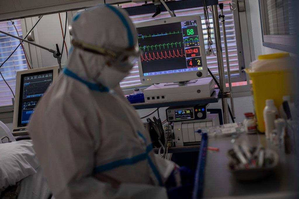 Pandemia koronawirusa. Oddział intensywnej terapii w madryckim szpitalu Ochoa, 9 października 2020