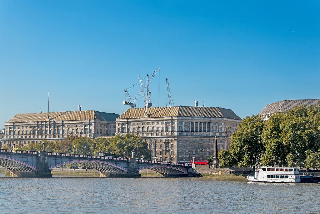Siedziba MI5 w Londynie.