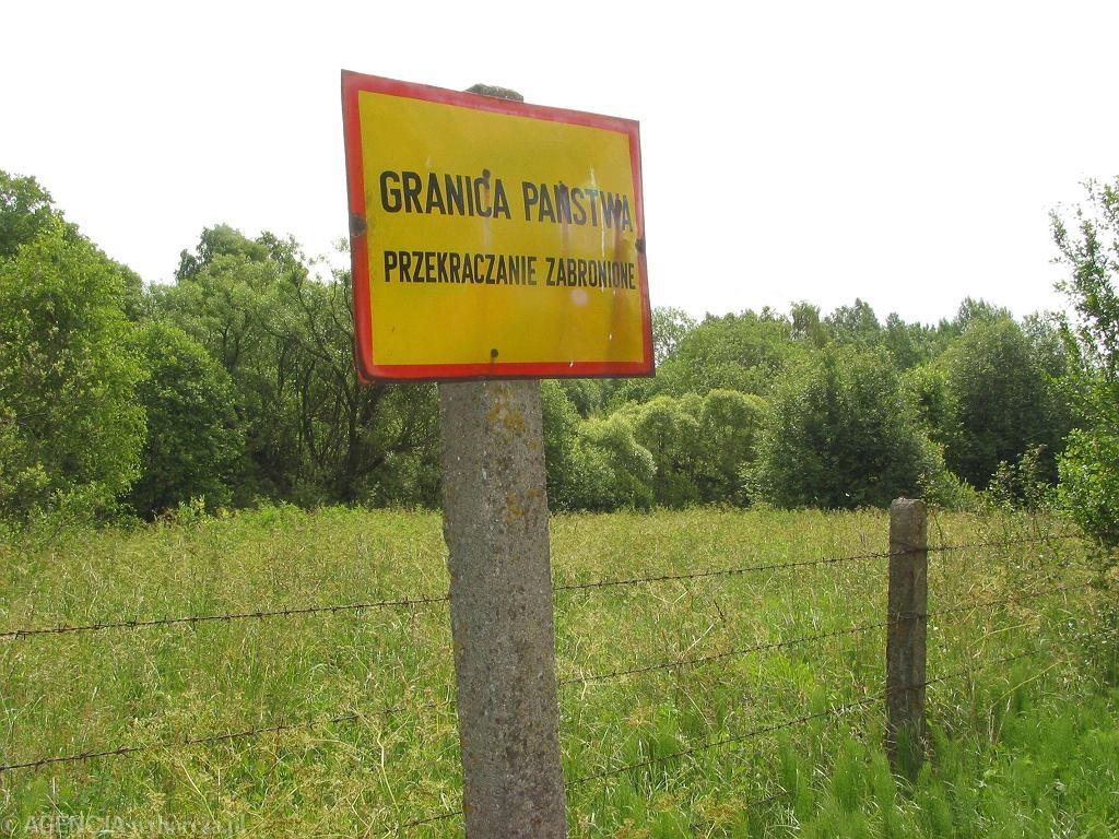 Granica polsko-białoruska w miejscowości Tolcze, 27 czerwca 2002