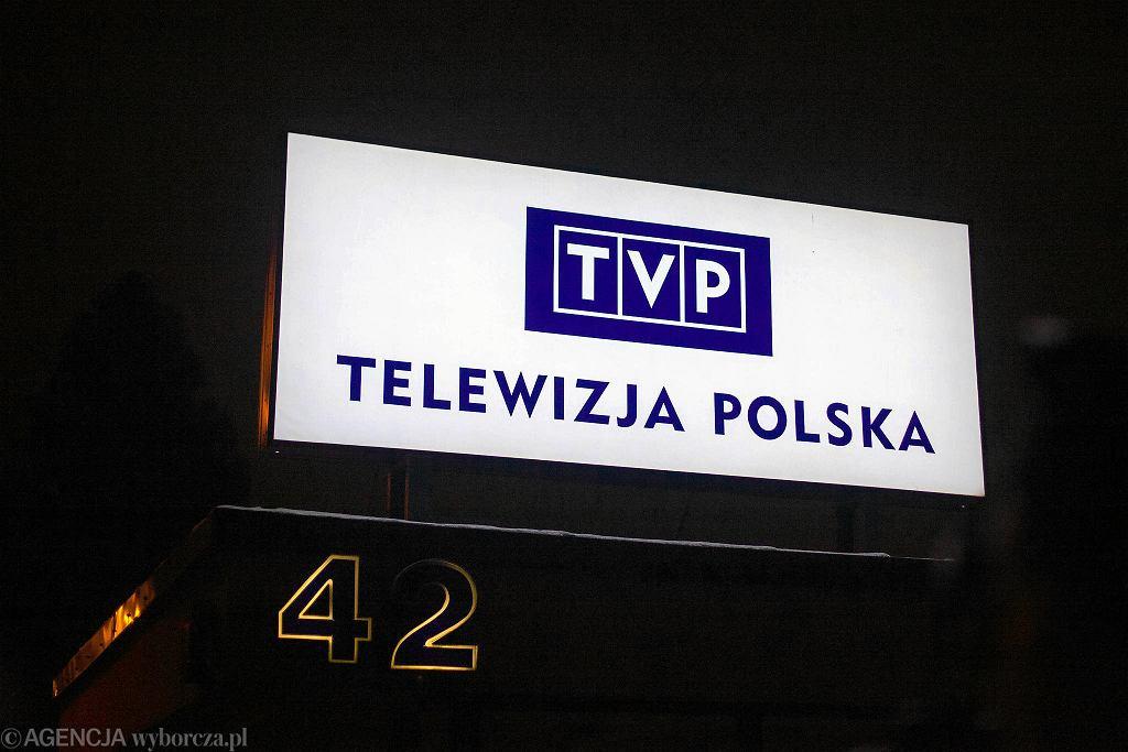 Protest pod siedzibą gdańskiego oddziału TVP po śmierci Pawła Adamowicza
