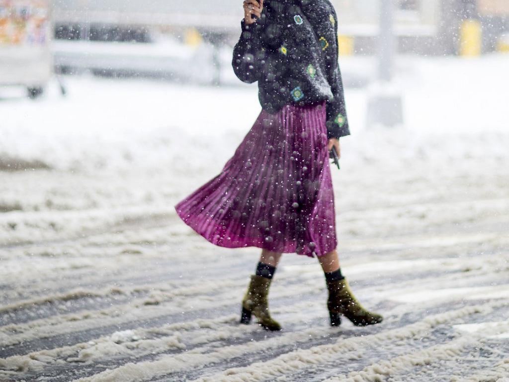 Plisowane spódnice dla kobiet po 50-tce na zimę 2020