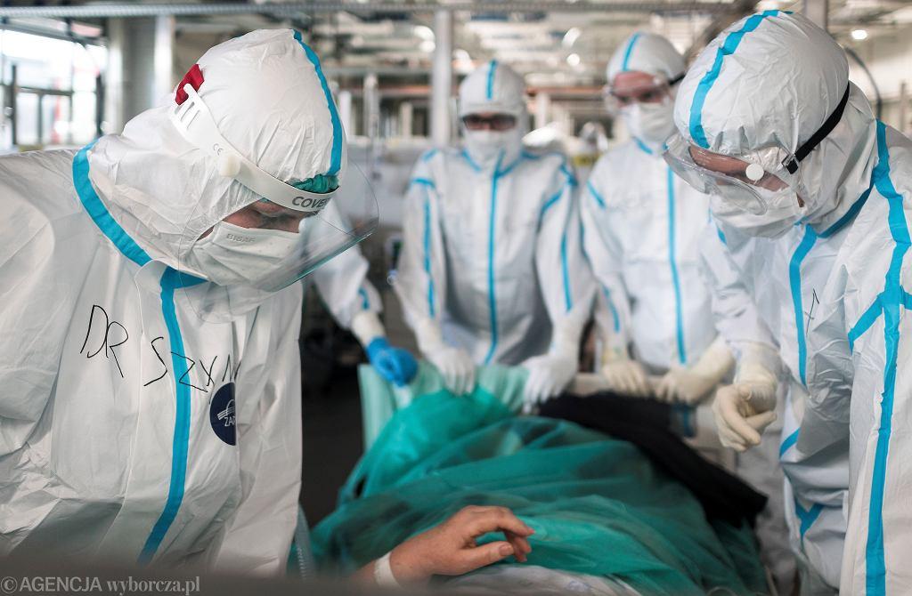 W szpitalach w Łódzkiem już 91 osób z COVID-19. Co dziewiąty pacjent pod respiratorem