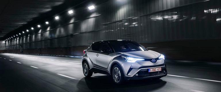 Futurystyczny crossover Toyoty ta�szy o 18 500 z�