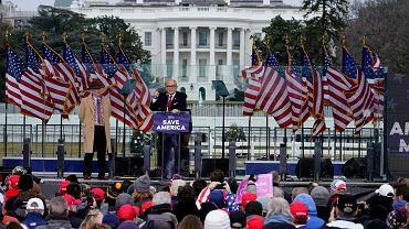 Rudy Giuliani podczas wiecu poprzedzającego zamieszki na Kapitolu
