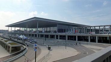Lotnisko Berlin Brandenburg szuka 20 tysięcy wolontariuszy do testów