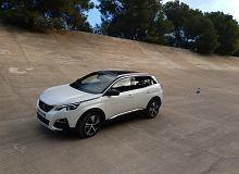 Opinie Moto.pl: Peugeot 3008 HYbrid4. Jeździliśmy hybrydową odmianą nowego SUV-a
