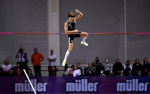 Niewiarygodne! Armand Duplantis znów pobił rekord świata. Wielki wyczyn Szweda