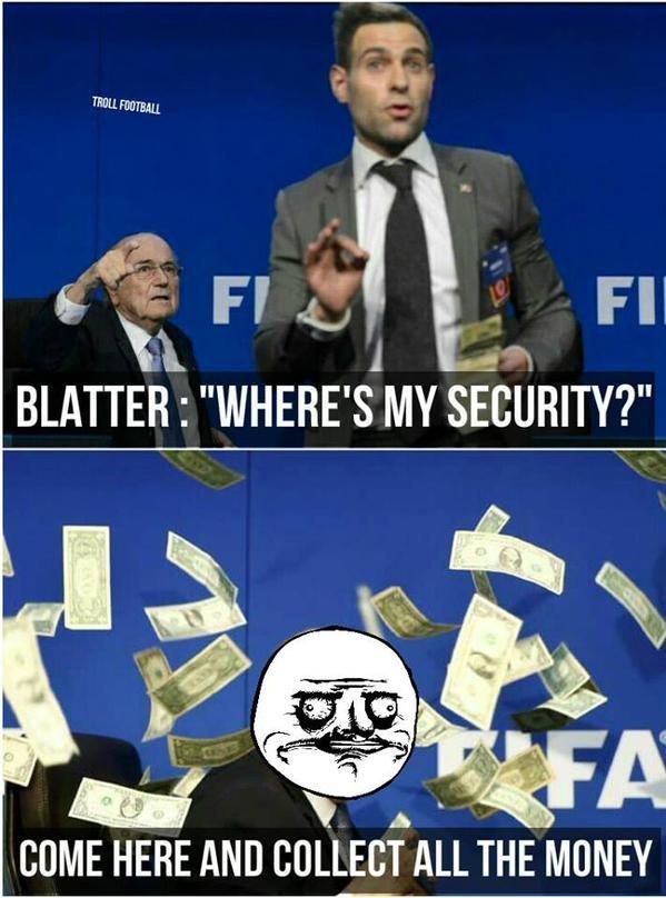 Zdjęcie numer 6 w galerii - Sepp Blatter, deszcz banknotów i... siatka na motyle? [MEMY]
