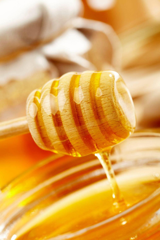 Zdjęcie numer 1 w galerii - Miód czyli naturalna słodycz nie tylko do deserów. 3 przepisy na wytrwane dania z miodem