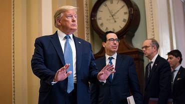 Donald Trump i sekretarz skarbu Steven Mnuchin