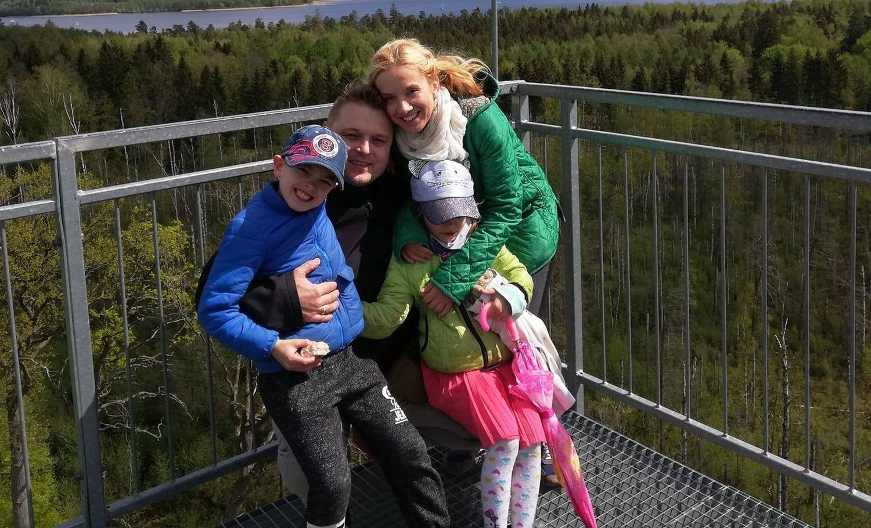 Szymon z rodziną (fot. archiwum prywatne)