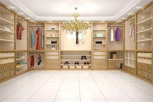 Jak urządzić garderobę? Te inspiracje pomogą ci stworzyć własne królestwo dla ubrań, butów i dodatków
