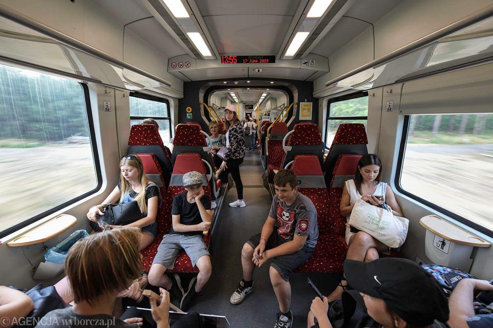 Pociąg na wyremontowanej trasie z Lubina do Legnicy
