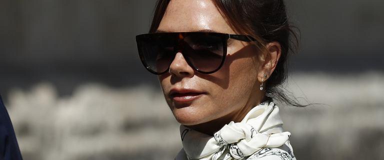 Victoria Beckham przyszła na ślub gwiazdy Realu Madryt w białej sukni. Po raz kolejny złamała obowiązujące zasady