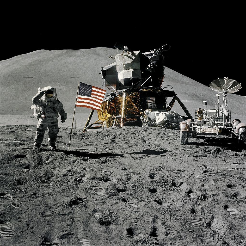 Lunar Roving Vehicle na Księżycu podczas misji Apollo 15