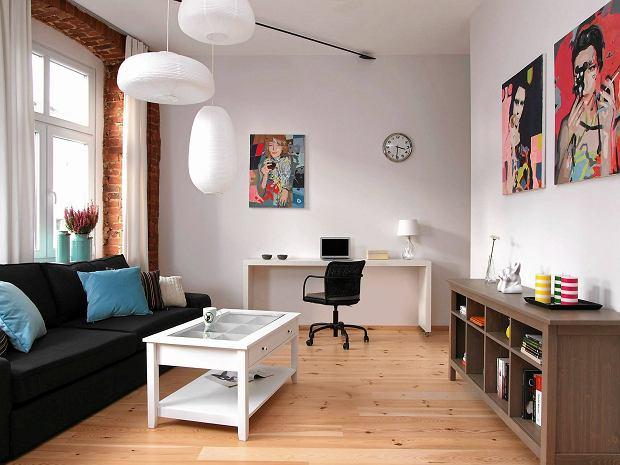 salon, aranżacja salonu, cegła na ścianie