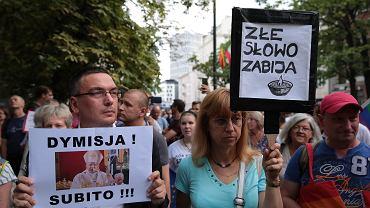 Protest 'Stop Nienawiści: Domagamy się dymisji abp. Jędraszewskiego'