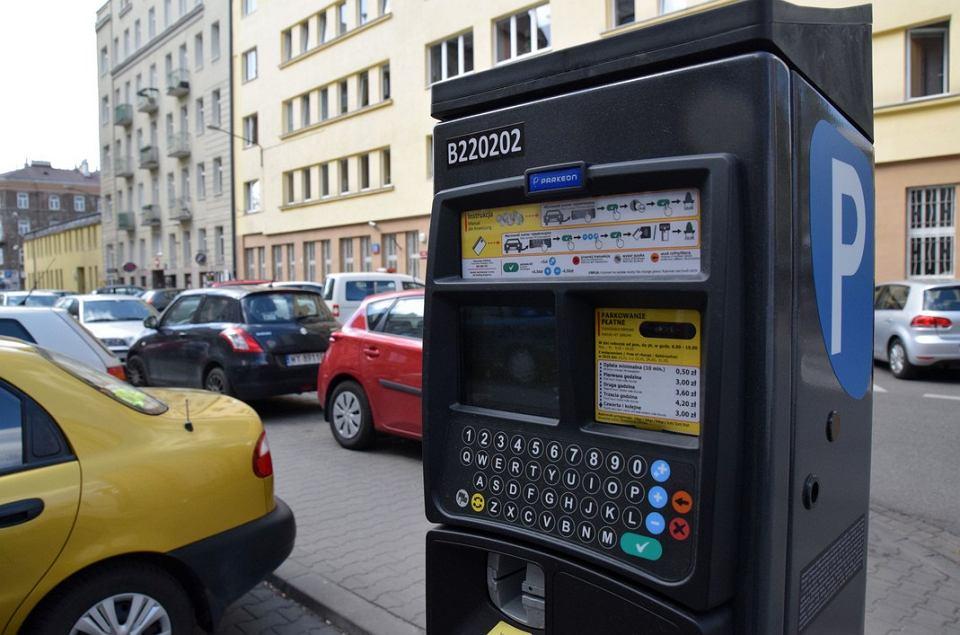 Parkowanie W Warszawie Montują Parkomaty Z Klawiaturą
