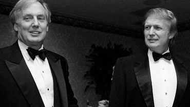 Robert i Donald Trumpowie, 1999