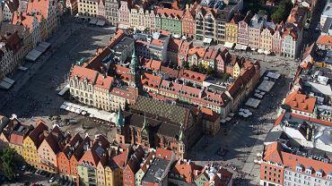 Sterowiec Goodyear lata nad Wrocławiem