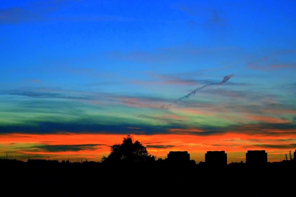 Bydgoszcz, budynki w zachodzie słońca