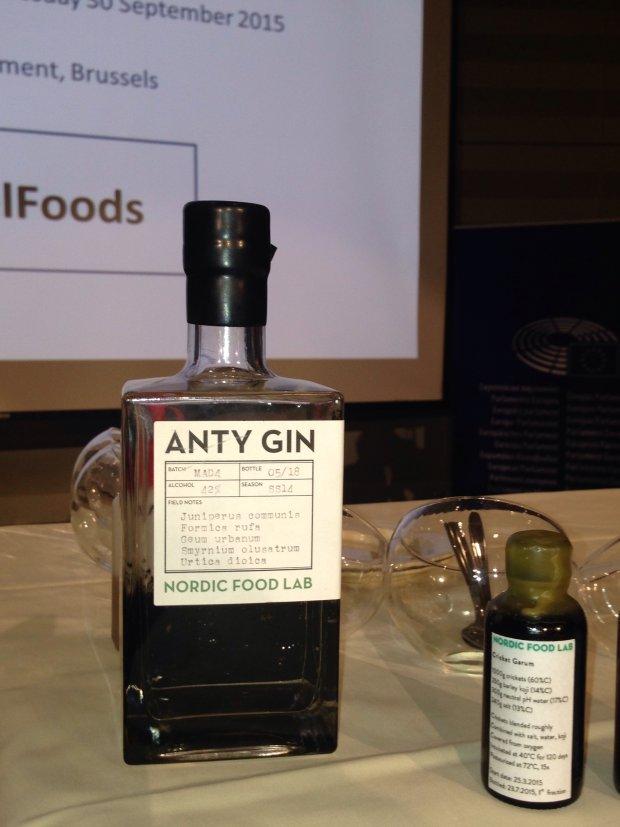 Gin na wyciągu z mrówek, czyli 'anty-gin' opatentowany przez Nordic Food Lab.