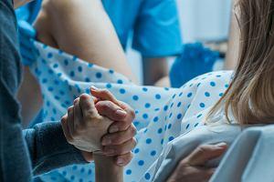 Pęknięcie krocza podczas porodu - przyczyny, powikłania