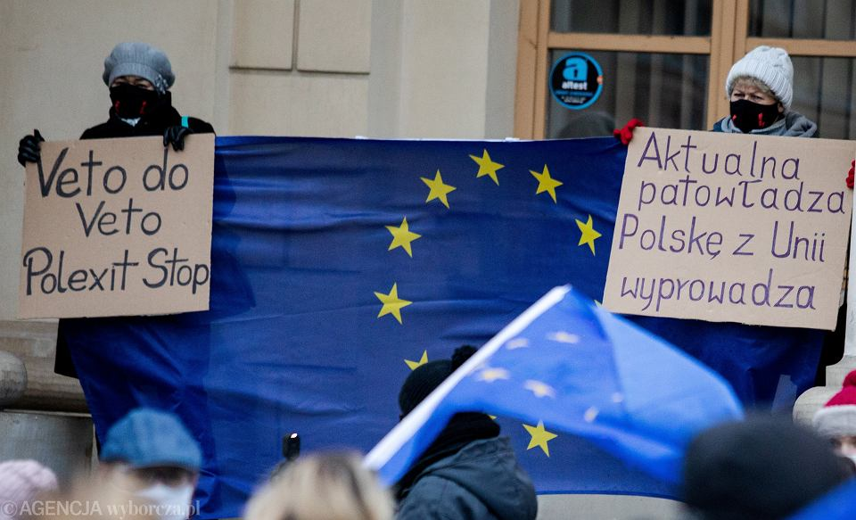 Protest w Lublinie przeciwko planom rządu, który zamierza zawetować budżet Unii Europejskiej, 22 listopada 2020.