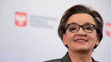 Anna Zalewska 'znika' z okładki 'Polityki' i wybiera się do Brukseli