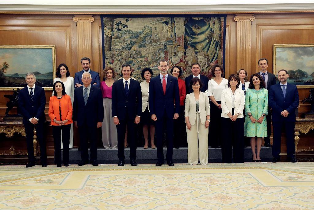 W nowym rządzie Hiszpanii znalazło się 11 kobiet