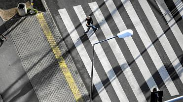 Rząd wyjaśni nowe przepisy dotyczące pierwszeństwa pieszych. Kampania społeczna za 30 milionów zł z funduszy unijnych