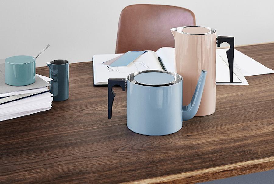 Cylindryczne naczynia od duńskiej marki Stelton