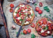 Placek ziemniaczany z kozim serem, suszoną wędliną i karmelizowanymi pomidorkami - ugotuj