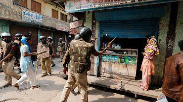 Wybuch przemocy między protestującymi muzułmanami i hinduskimi nacjonalistami