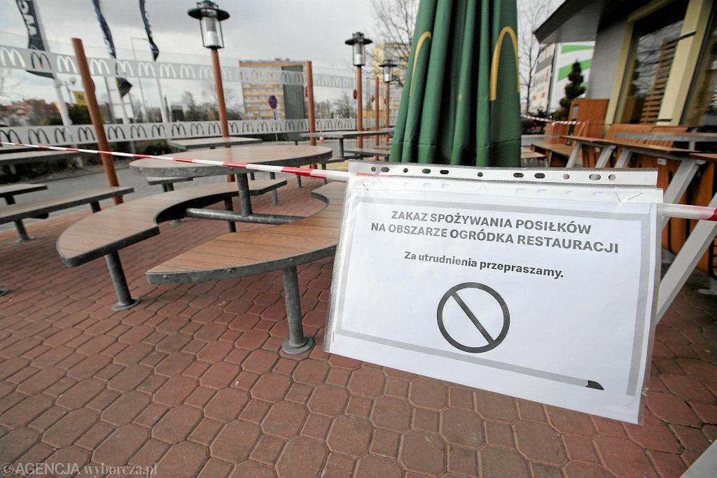 Pracownicy jedynej restauracji McDonald's w Stalowej Woli pod kwarantanną. Ojciec jednego z nich ma koronawirusa (zdjęcie ilustracyjne)