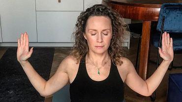 Monika Mrozowska - joga w domu