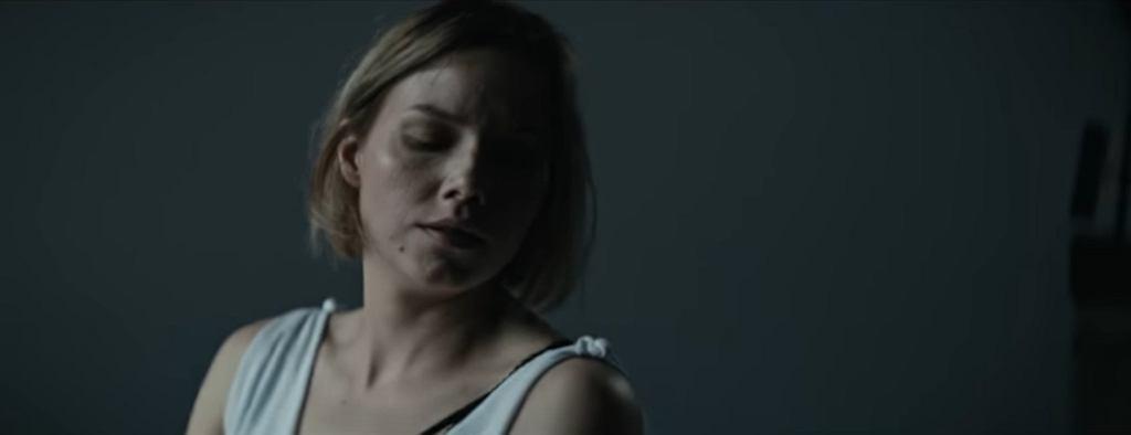 Roma Gąsiorowska w teledysku 'Polish Girl' Wojtka Mazolewskiego / screen z YouTube