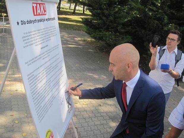 Wybory samorządowe 2018. Tadeusz Arłukowicz prezentuje kodeks dobrych praktyk wyborczych