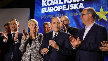 Przewodniczący PO Grzegorz Schetyna podczas wieczoru wyborczego Koalicji Europejskiej
