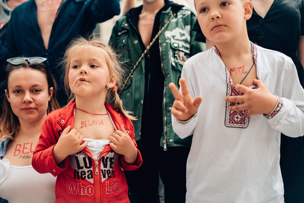 Dekolt dla Białorusi. Aktywistki i aktywiści domagają się sankcji ekonomicznych