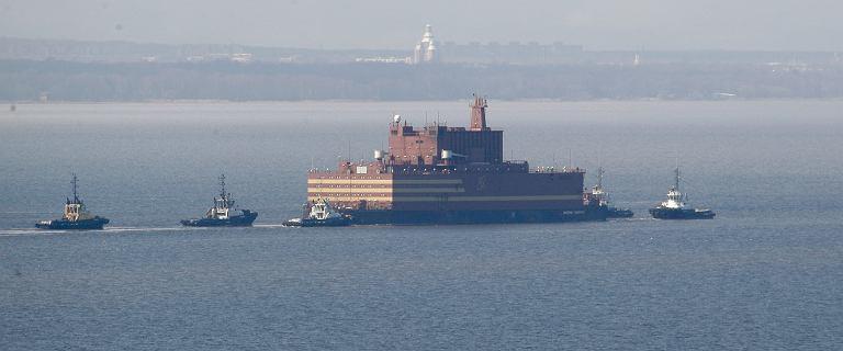 Rosja. Pierwszy pływający reaktor jądrowy płynnie przez Arktykę