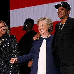 Hillary Clinton z Beyonce i Jayem-Z podczas koncertu w Cleveland