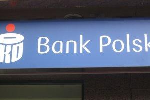 Proszę czekać, będzie rozmowa. Który bank informuje najlepiej?