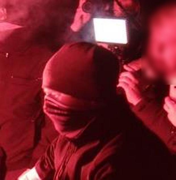 Policja poszukuje sprawców spalenia flagi UE