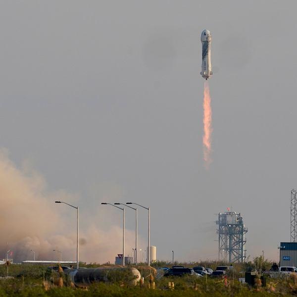 Jeff Bezos poleciał w kosmos, 20 lipca 2021 r.